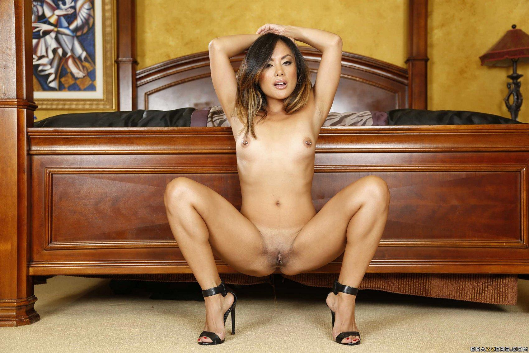Kaylani lei nude pussy pic ex girlfriend photos
