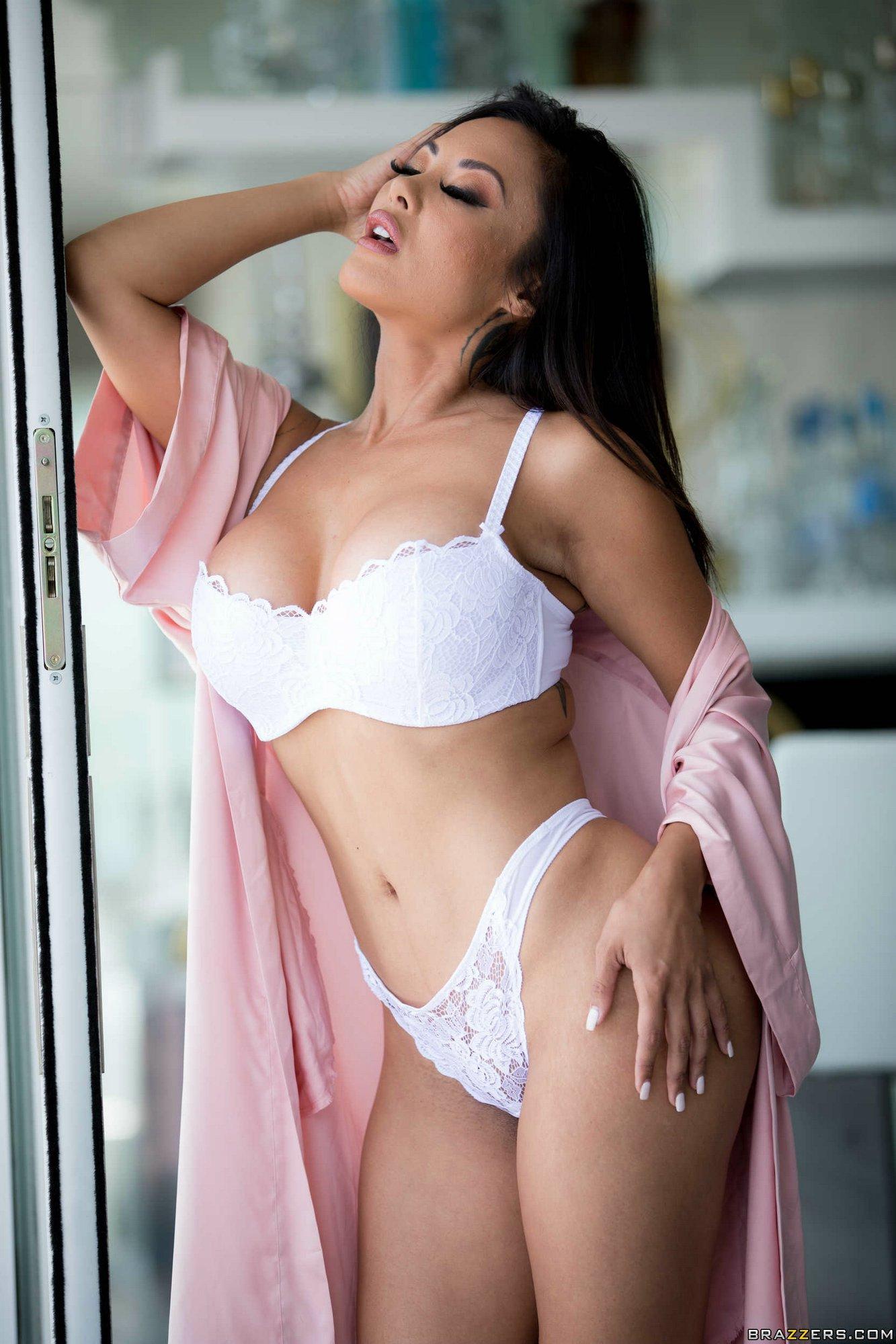 Sexy milf porn stars