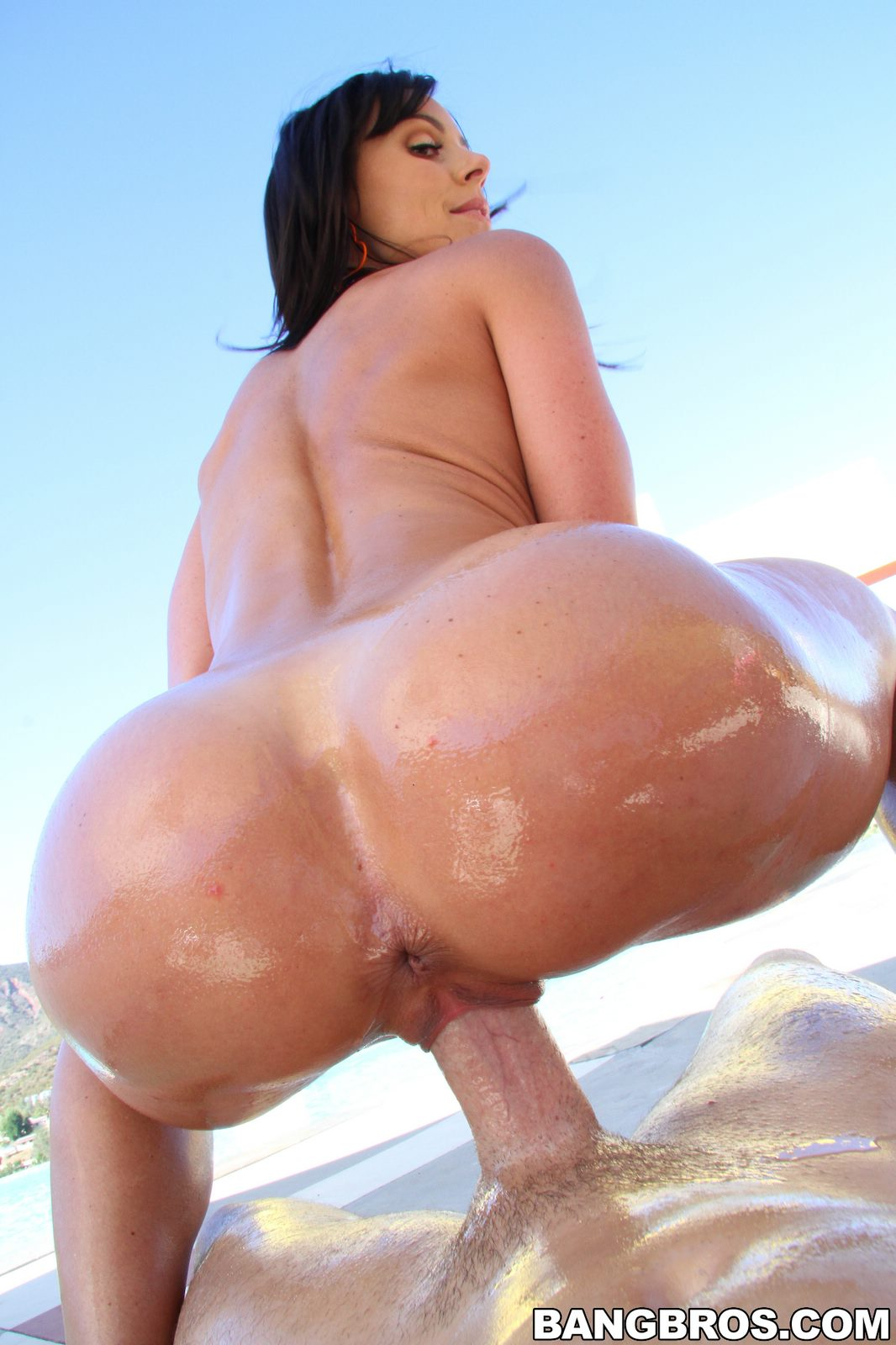 Big ass oiled riding