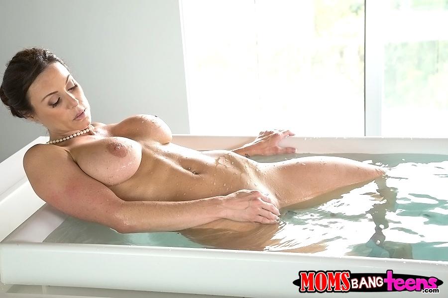 Kay parker bathtub