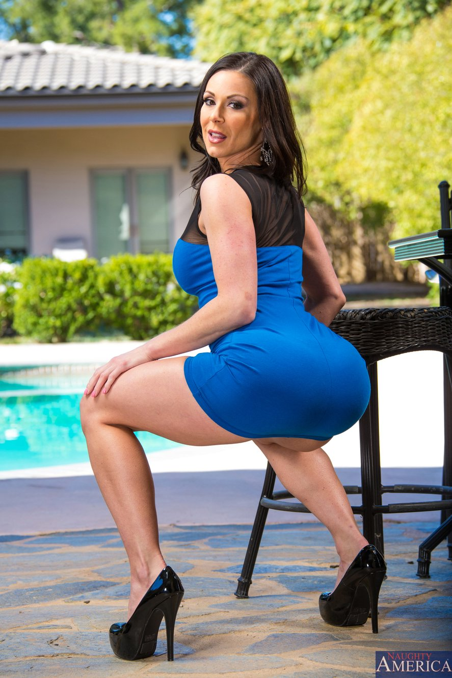 Kendra lust in sexy dress and heels posing by the pool porn pics at