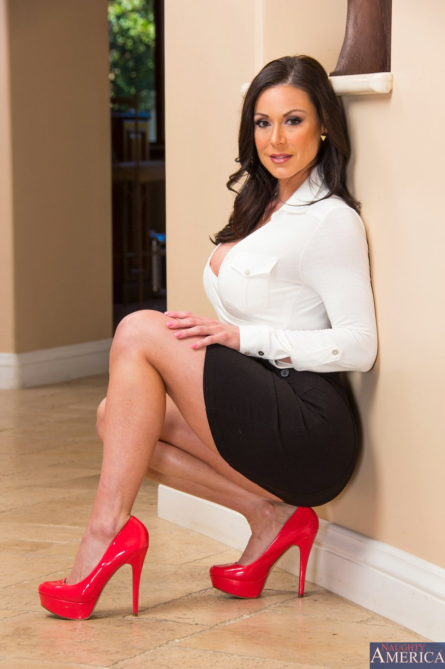 Hot kendra lust have a threesome with veronica and her bf 9
