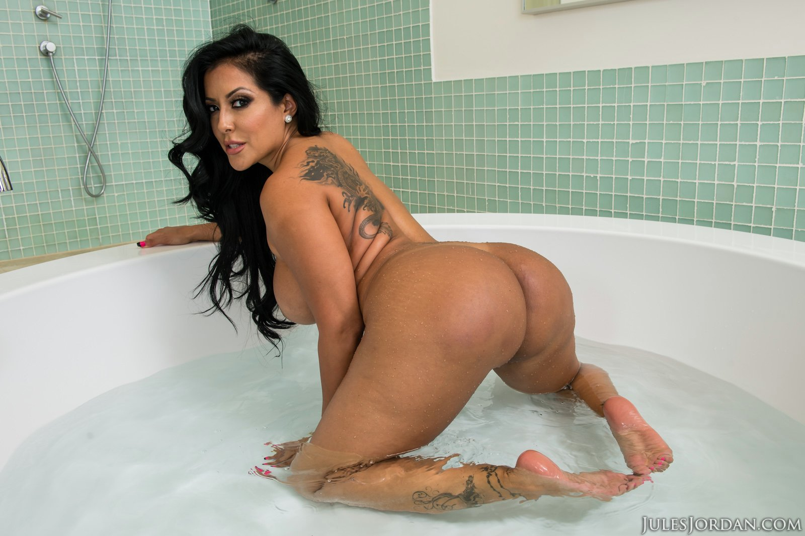black pornstar bath