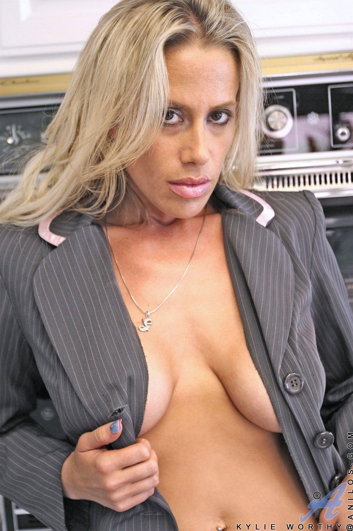 kylie worthy strips in the kitchen my pornstar book