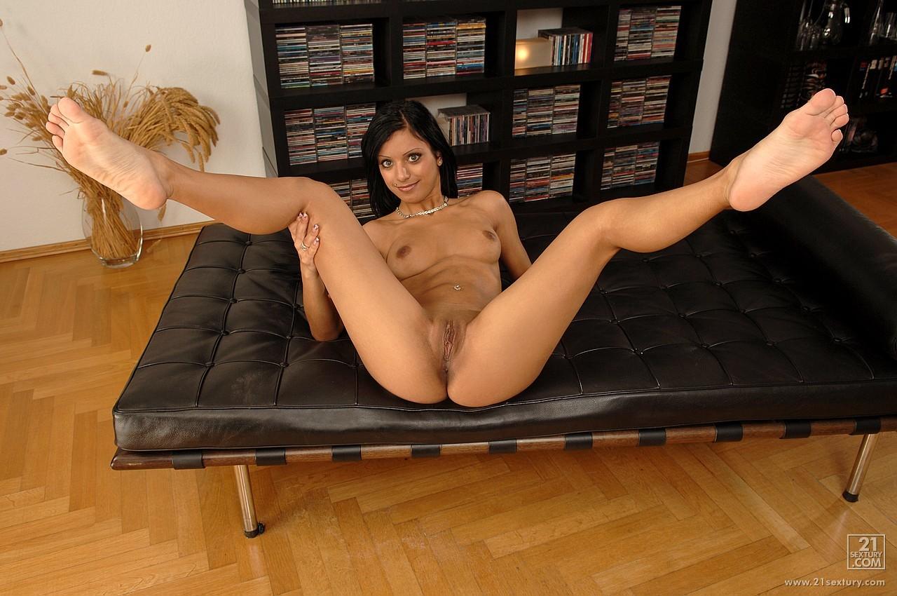 Sexy kyra black
