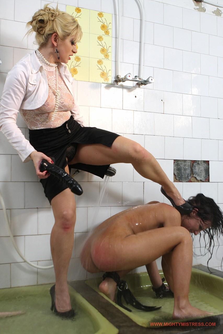 Toilet Lesbians