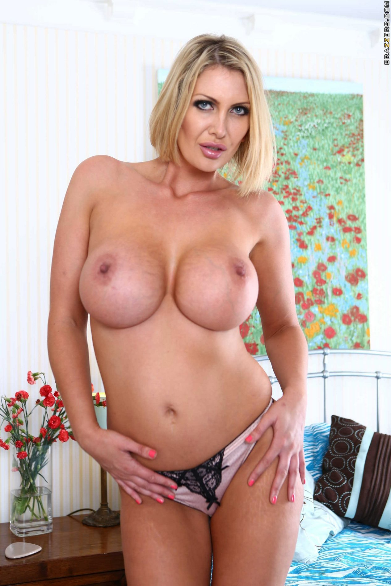 image Busty milf leigh darby being naughty as ever