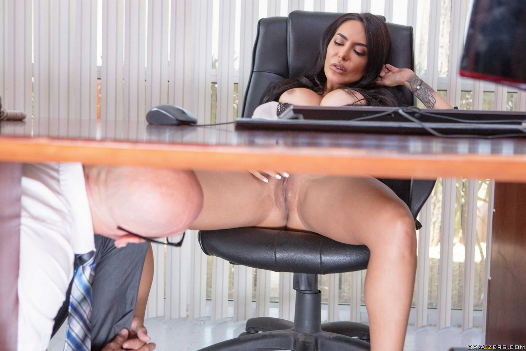 Horny Business Woman Lela Star Fucking A Huge Dick In The Office