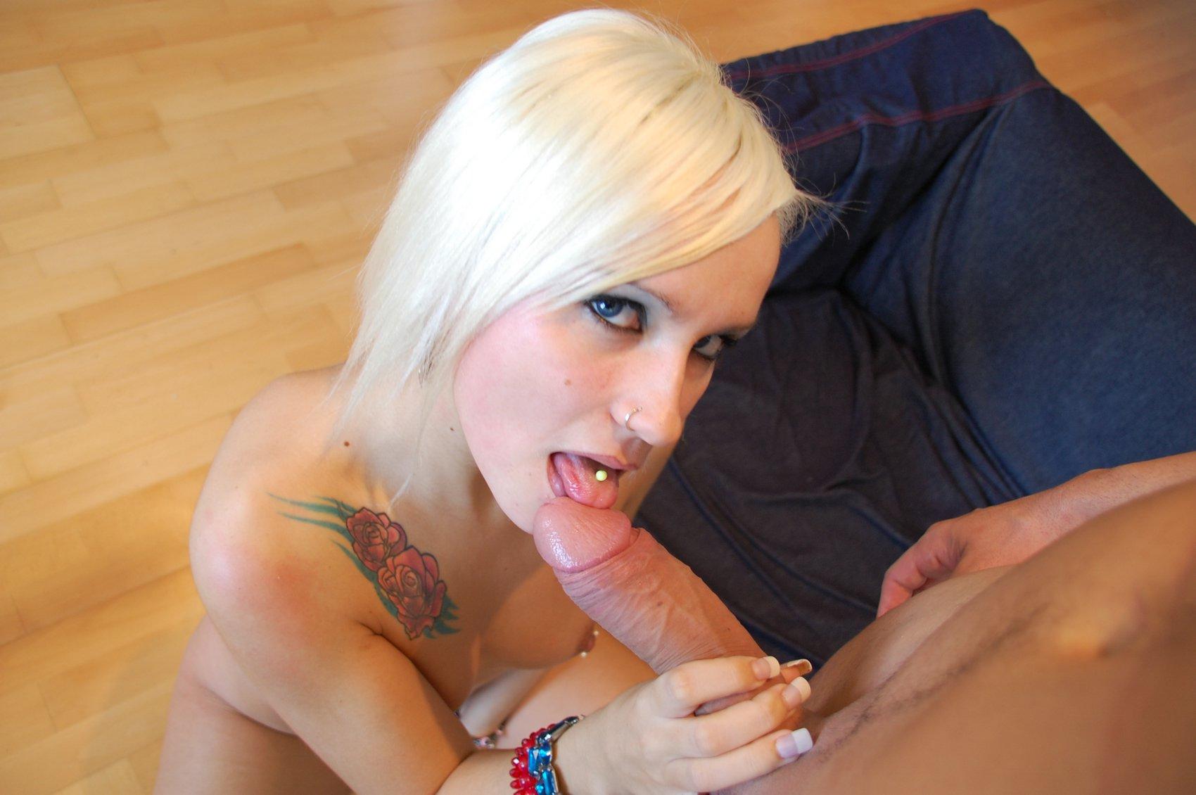 black-blonde-blow-job