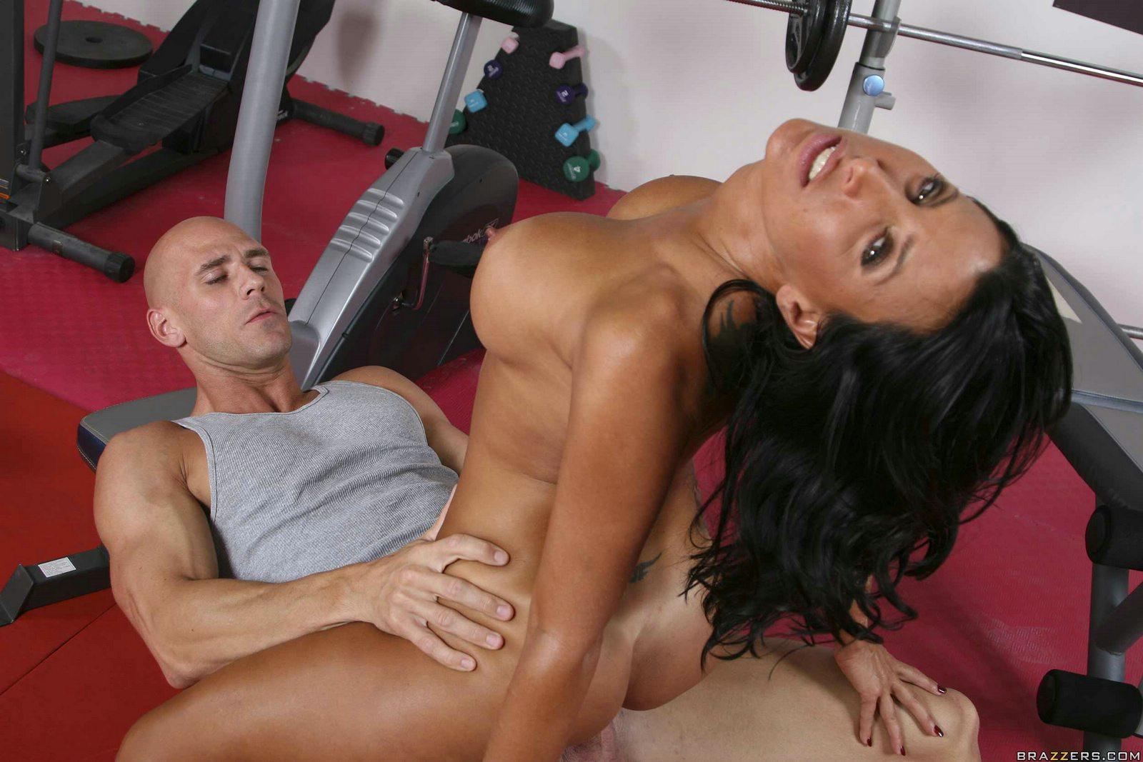 Трахает по фитнесу, Порно С тренером -видео. Смотреть порно онлайн! 1 фотография