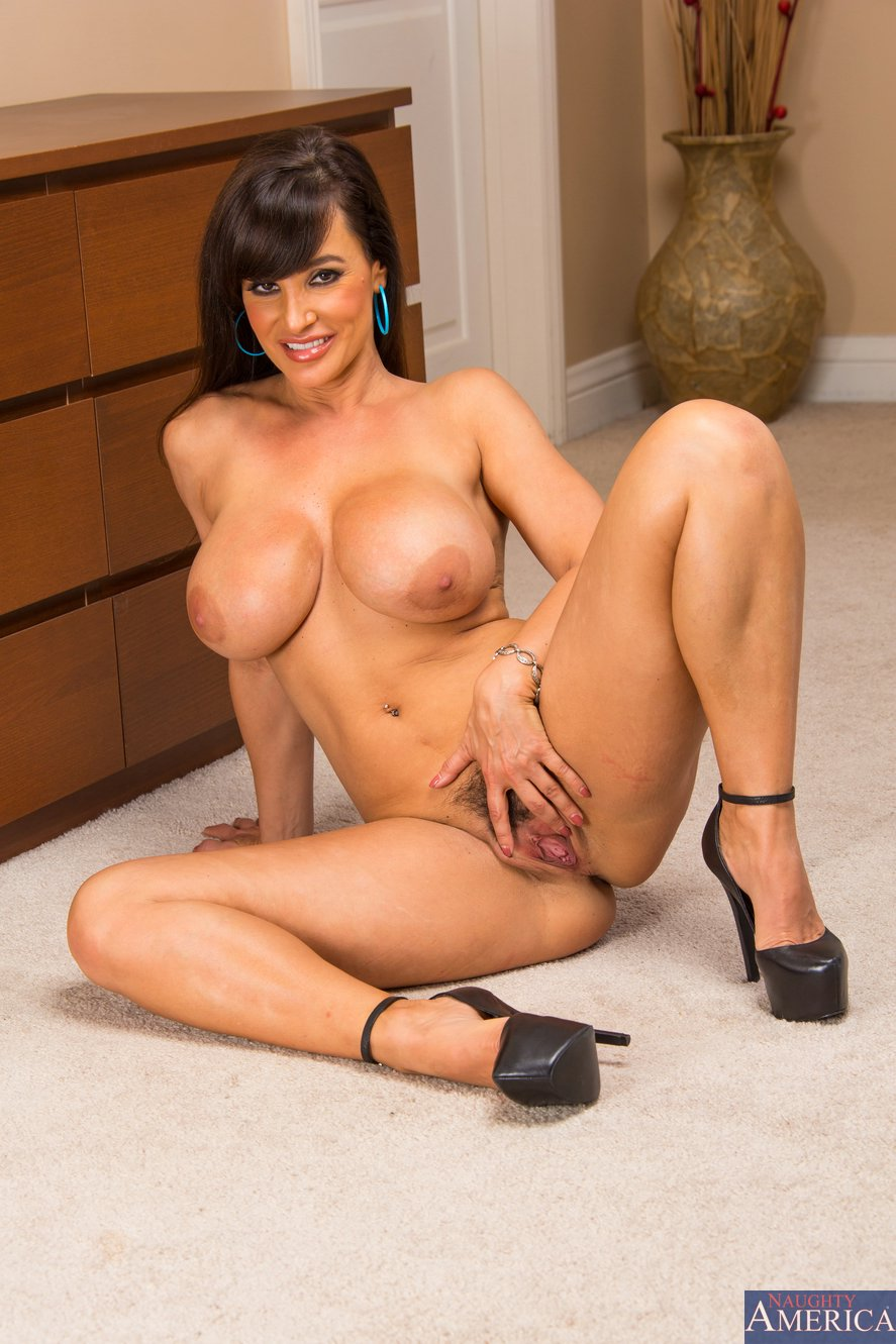 Classy Milf Lisa Ann Stripping And Posing In High Heels -7921
