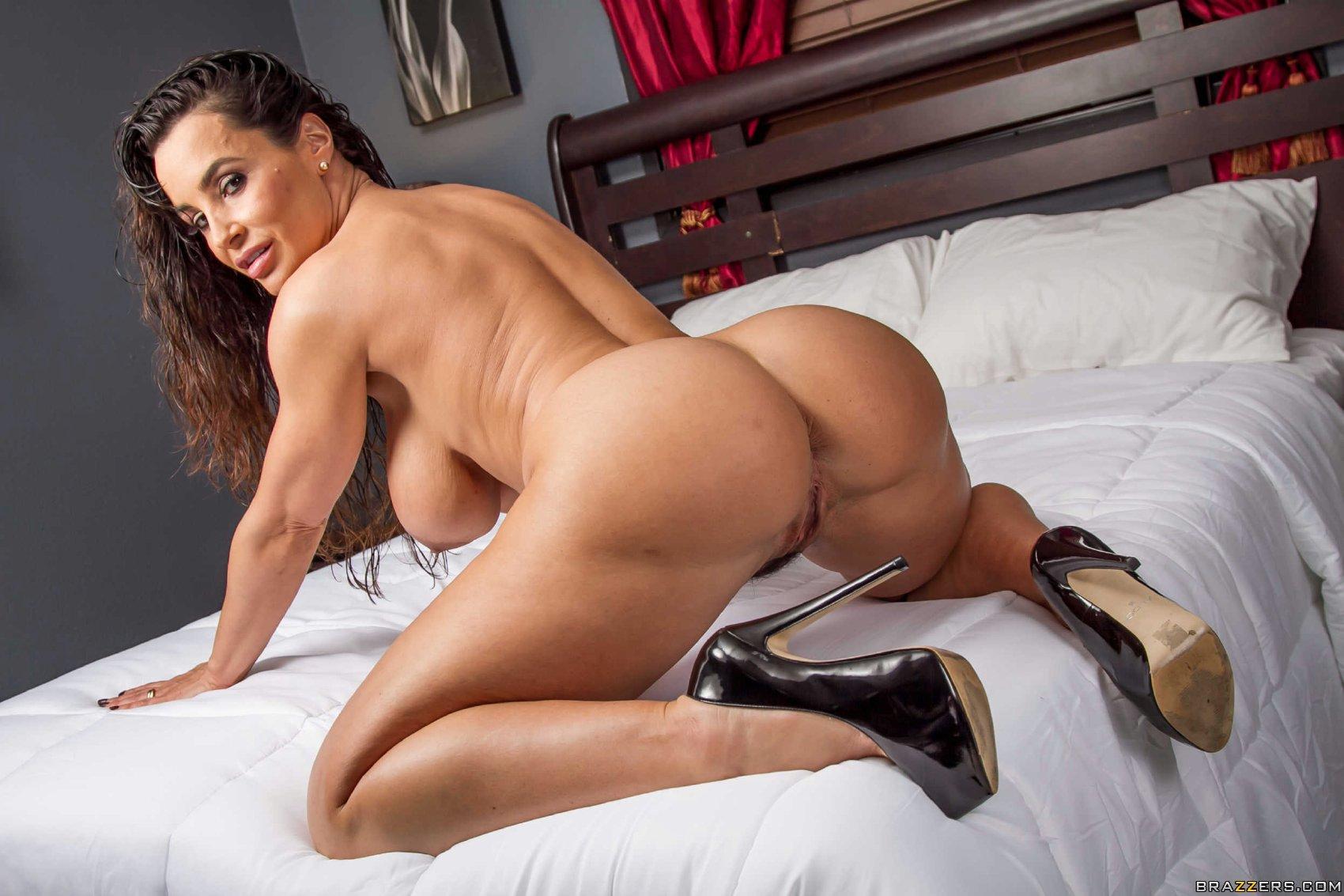 Pornstar Lisa Ann Feet Pics