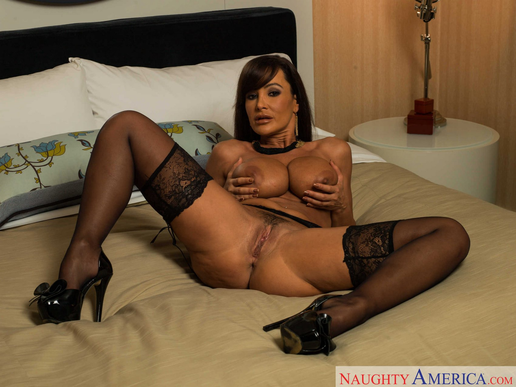 Lisa Ann results on a High Heels