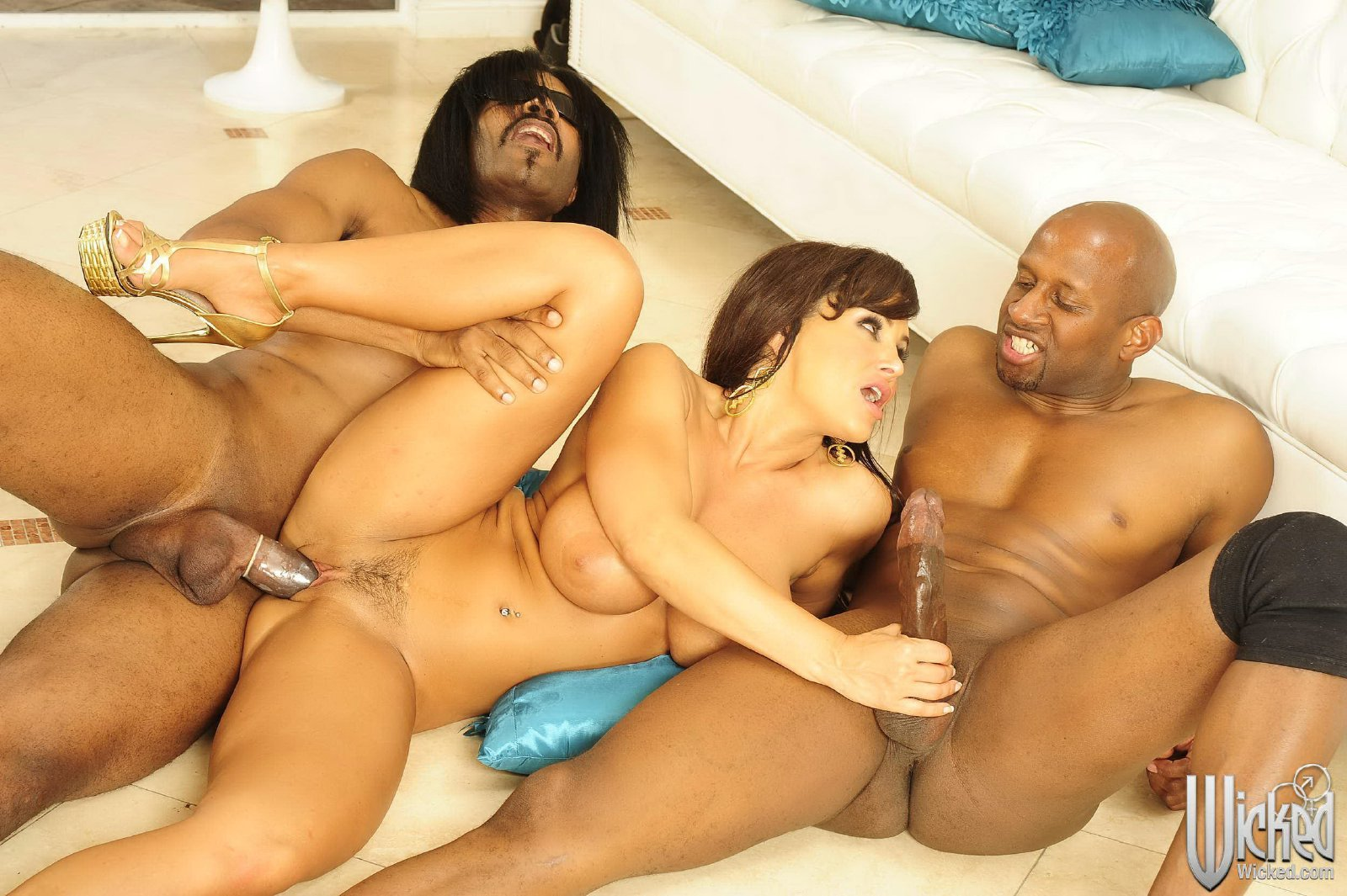 Horny Interracial Guys Banging