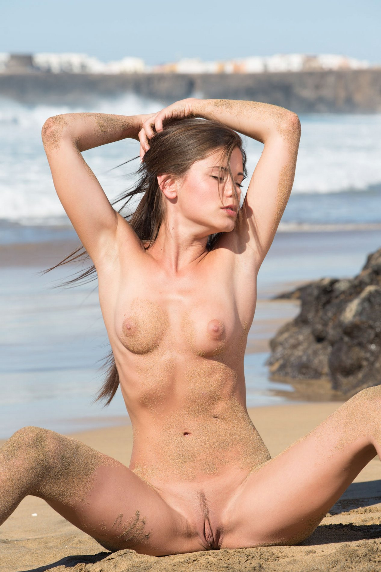 Little Caprice exposes her hot body on the beach - My ...