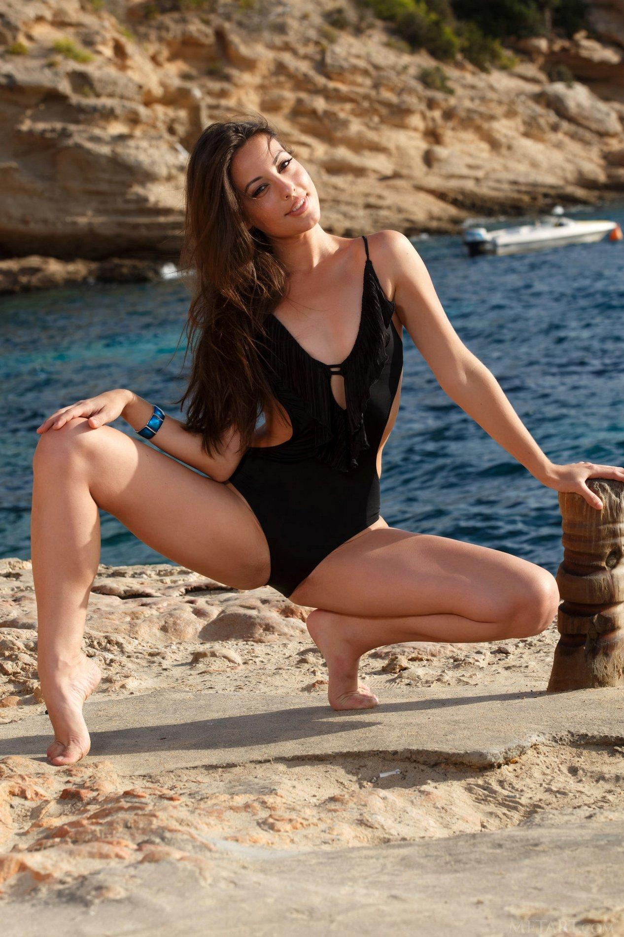 Lorena garcia met art beach