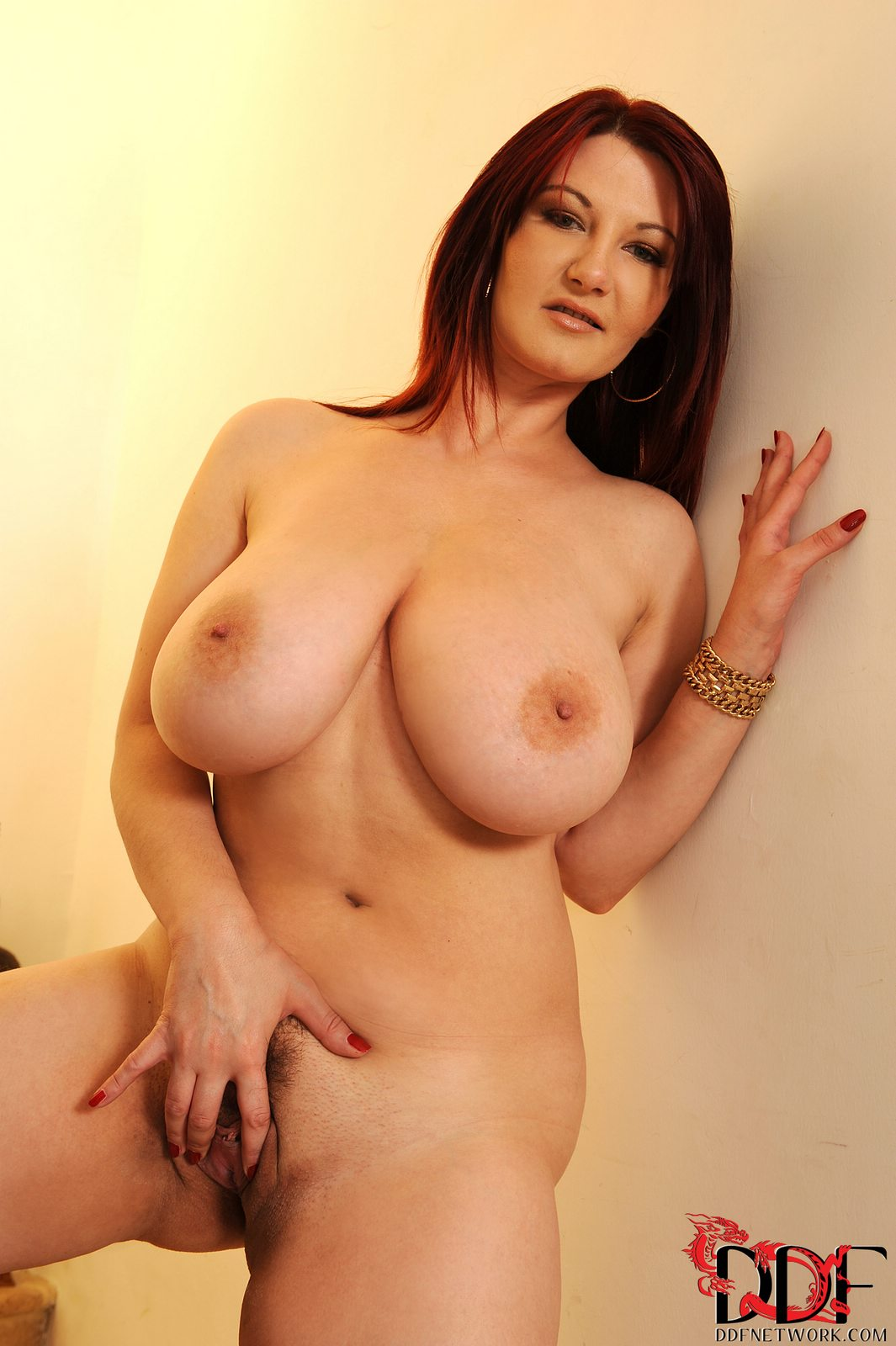 Lovely Vanessa Posing And Showing Off Her Huge Boobs - My -5739