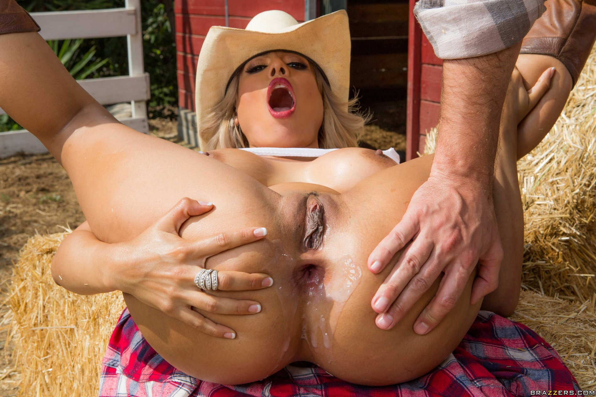 Country girl loves big city fucking 3 5