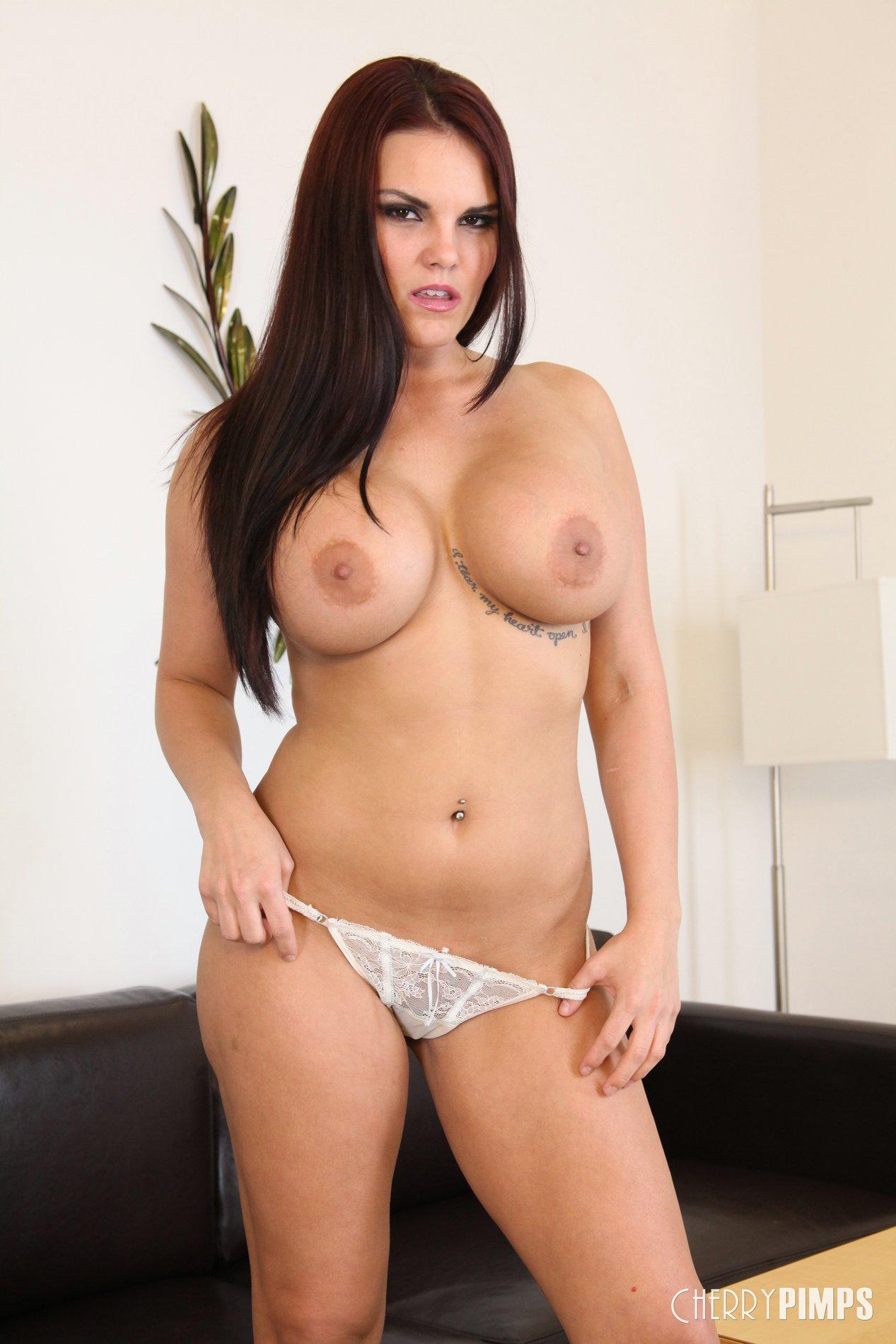 mackenzee pierce strips and shows off her sexy body - my pornstar book