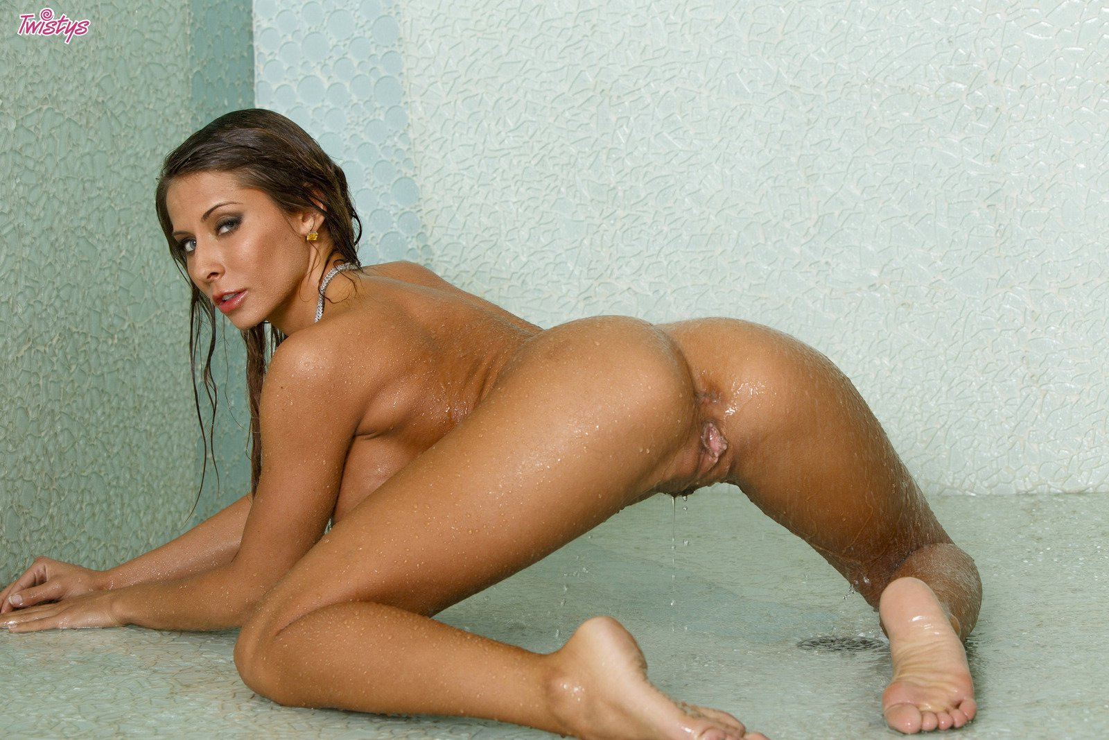 madison ivy shower