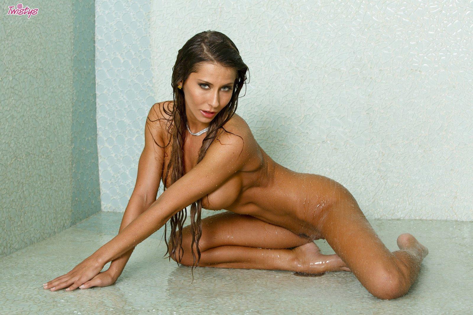 madison ivy shower