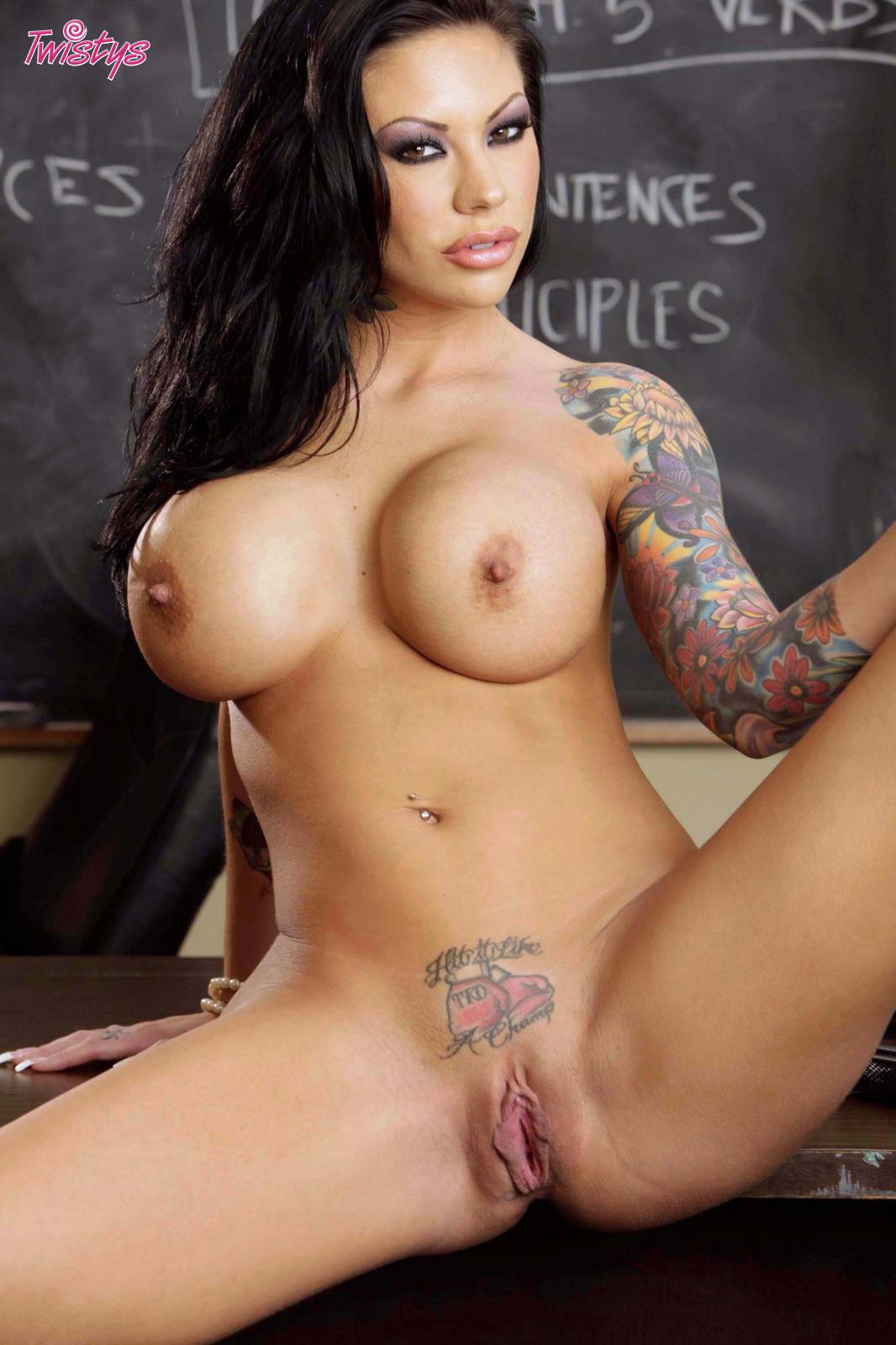 hot-teacher-weth-big-tats-nude-venuzealan-sex-babes