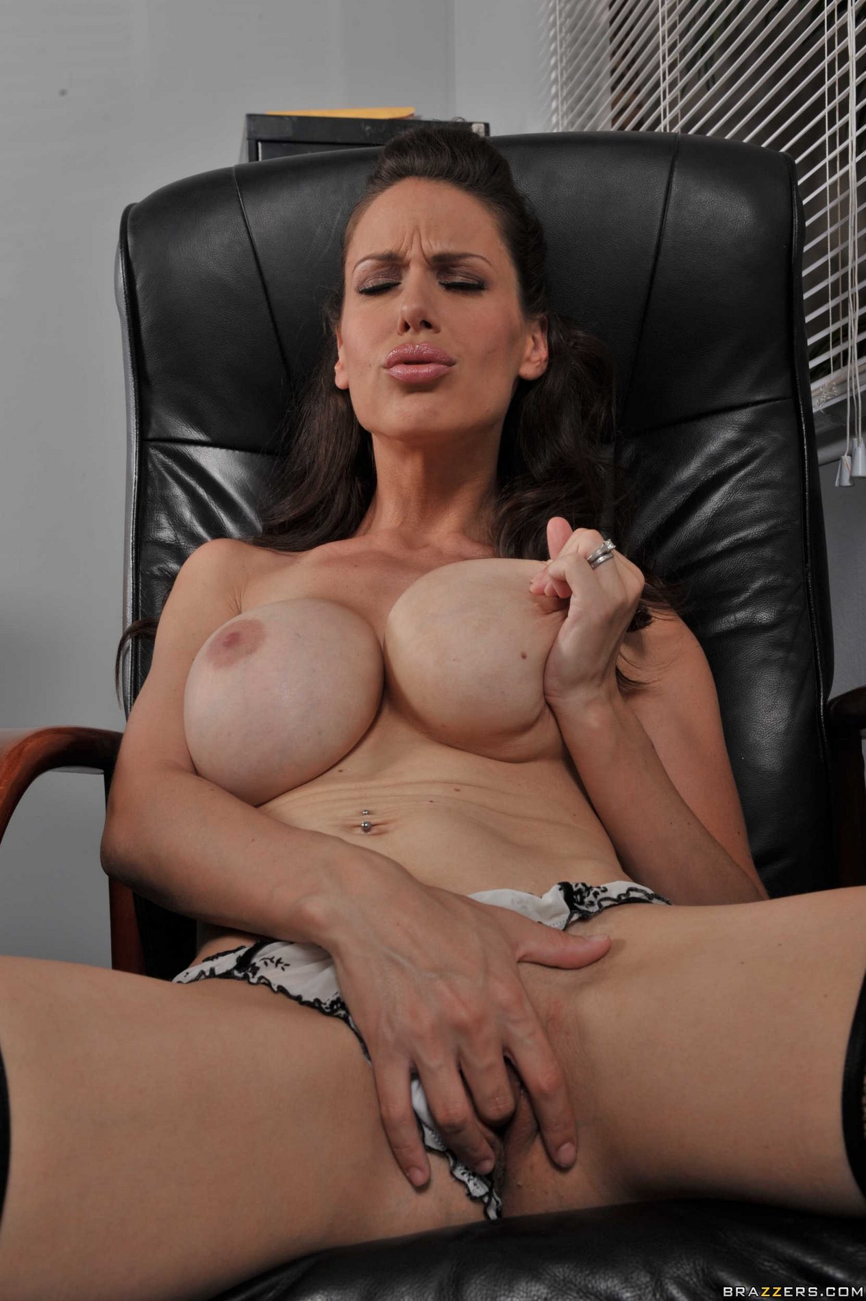 Busty lady McKenzie Lee strips and shows her hot body in ...