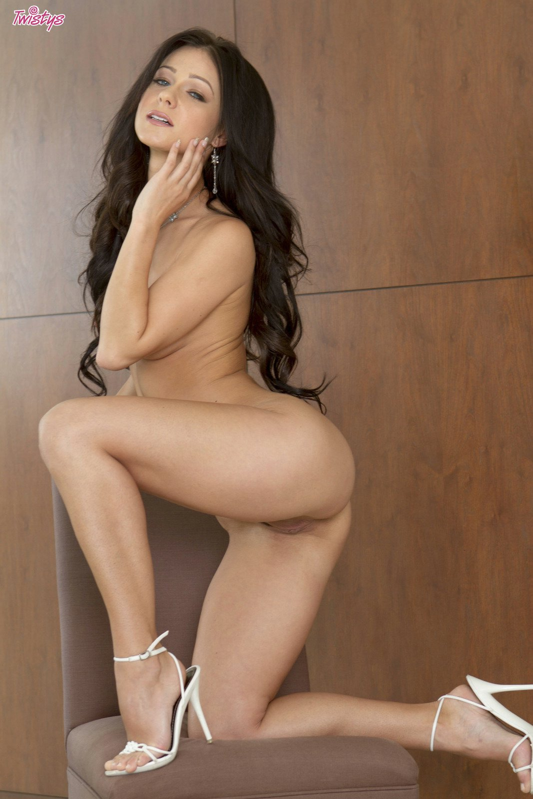 Melisa Mendiny stripping and posing naked in front of the ...