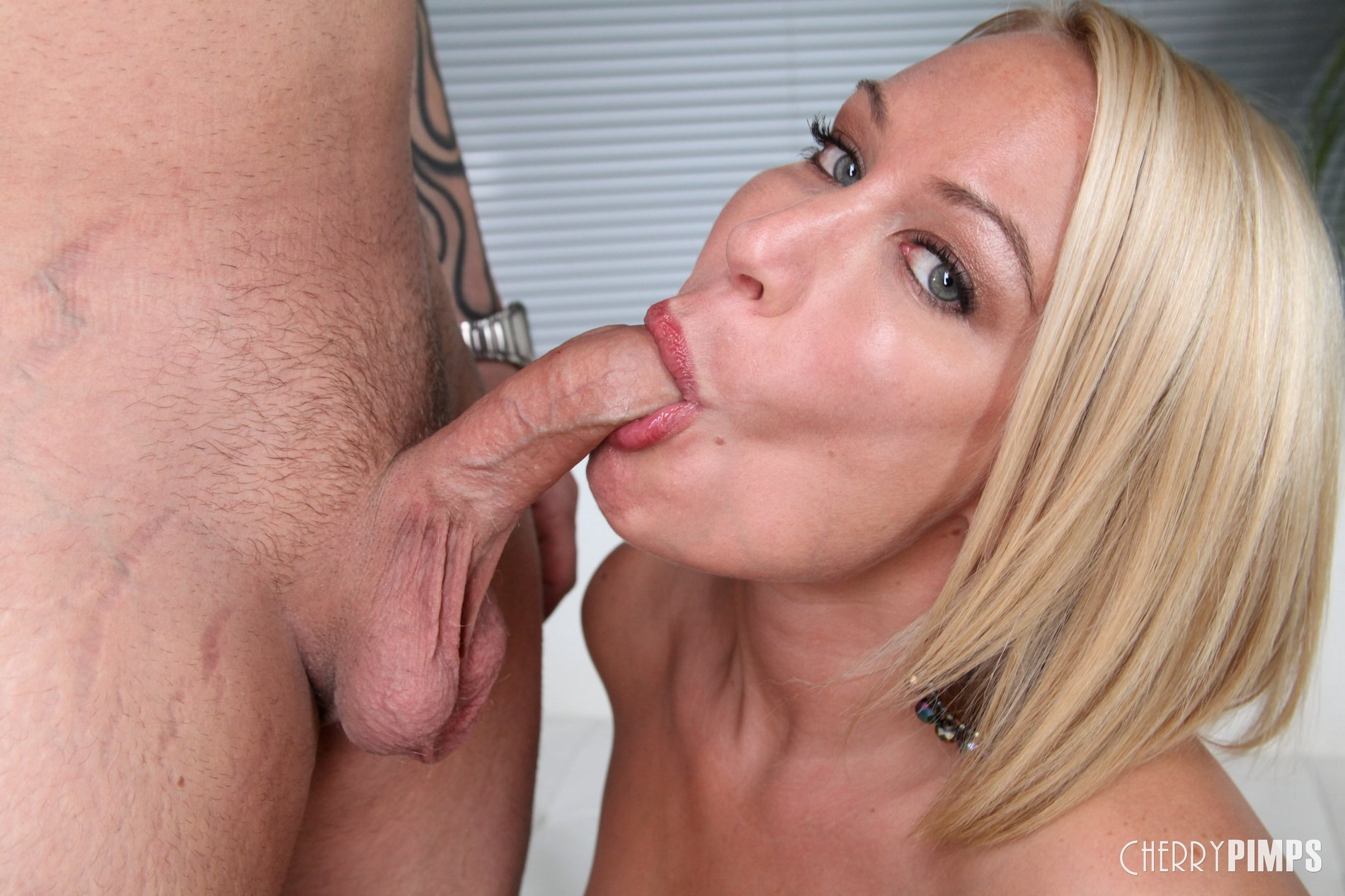 Mellanie monroe blowjob