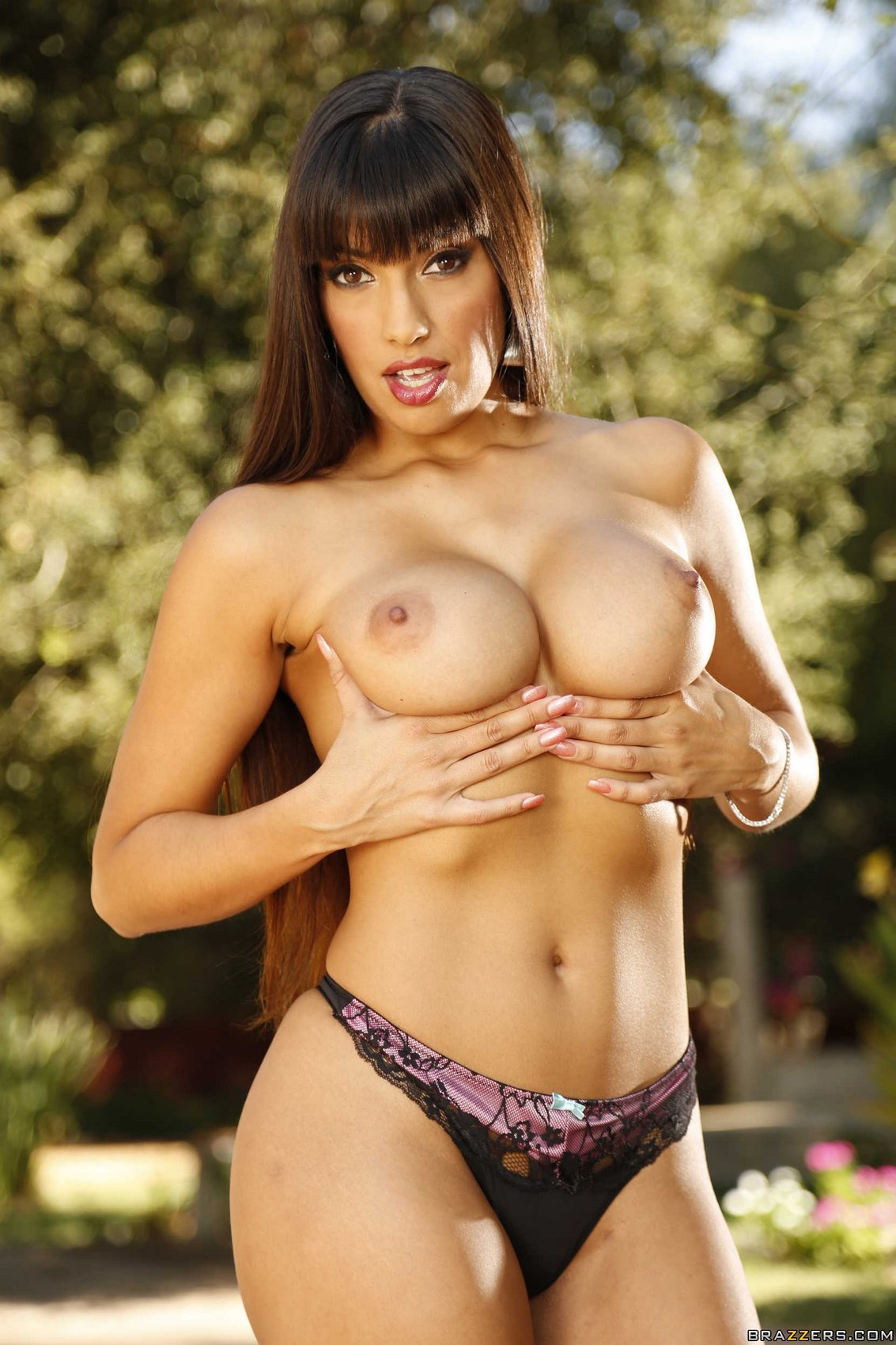 mercedes carrera in sexy dress stripping and showing her
