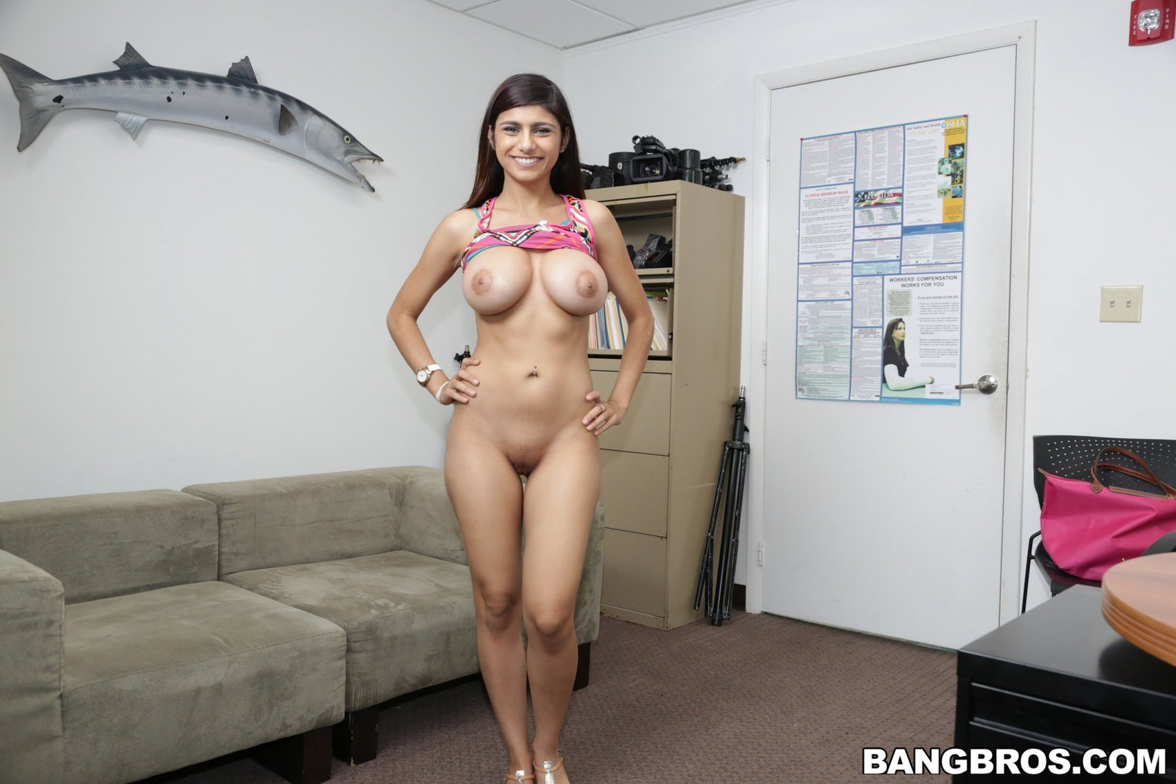 Mia Khalifa Threesome Hd