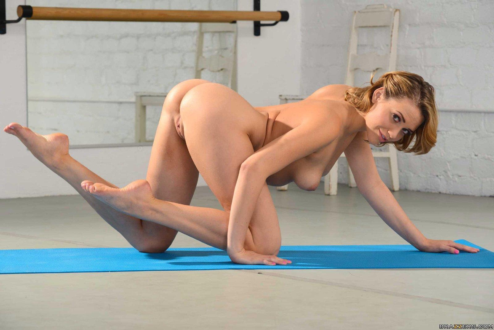 Красивая Гимнастка Занимается Спортом Голышом : Фото Голых Гимнасток