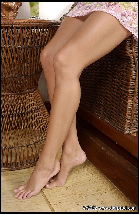 monica sweetheart showing off her legs and feet and