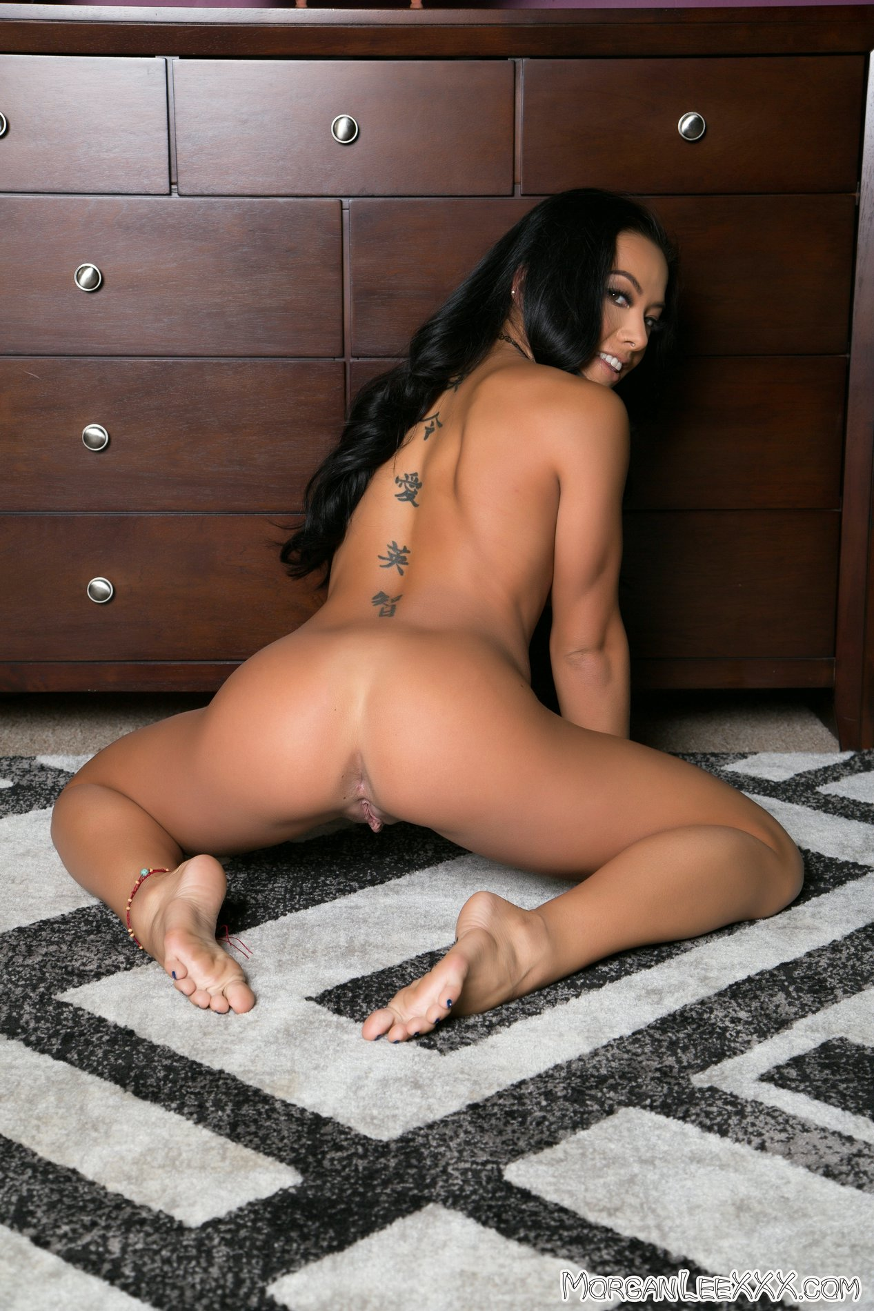 morgan lee poses naked on the floor my pornstar book