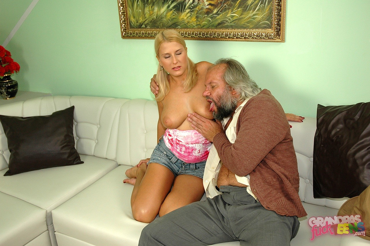 Horny blonde fucked on her ass