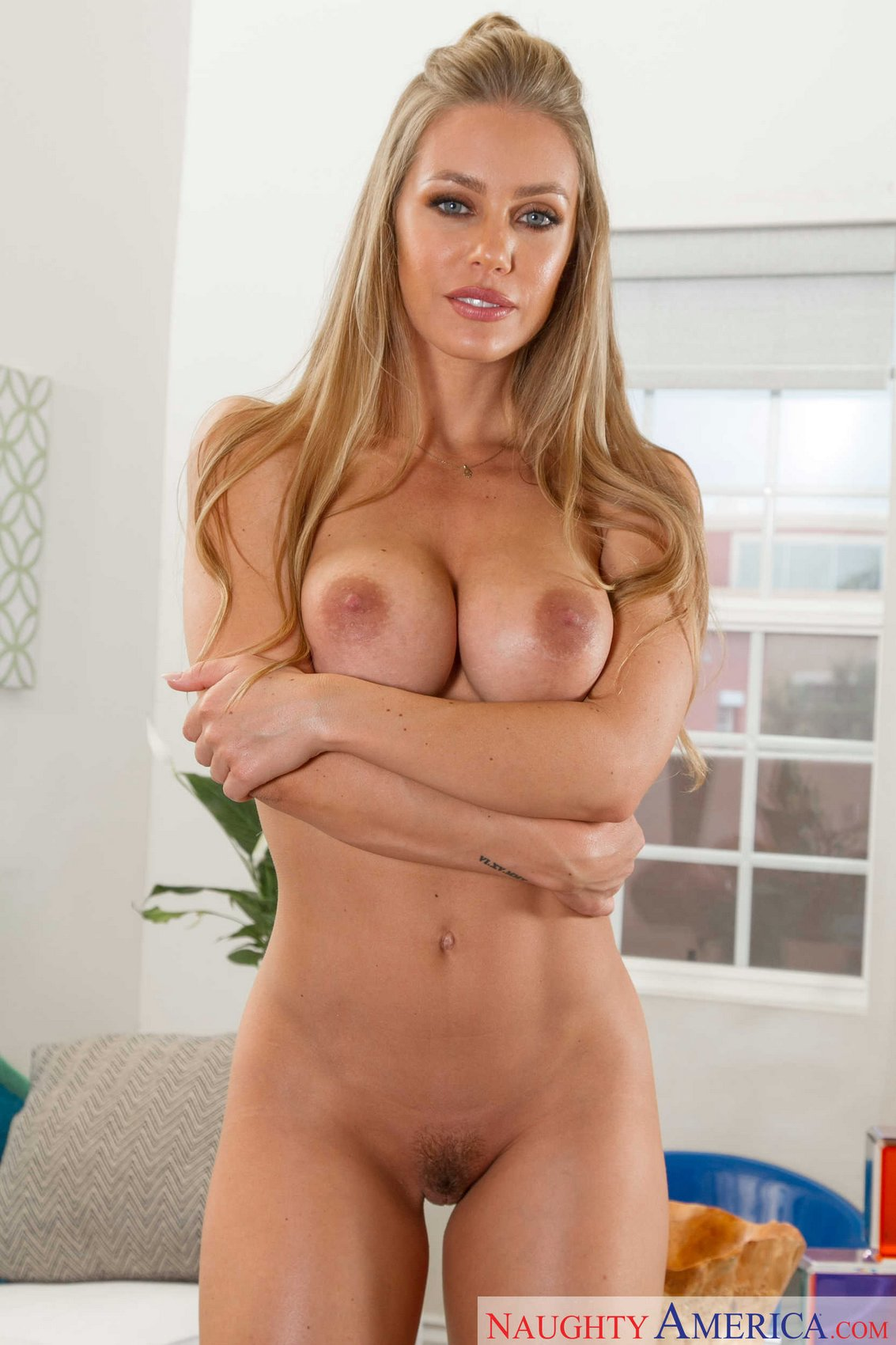 nicole aniston stripper