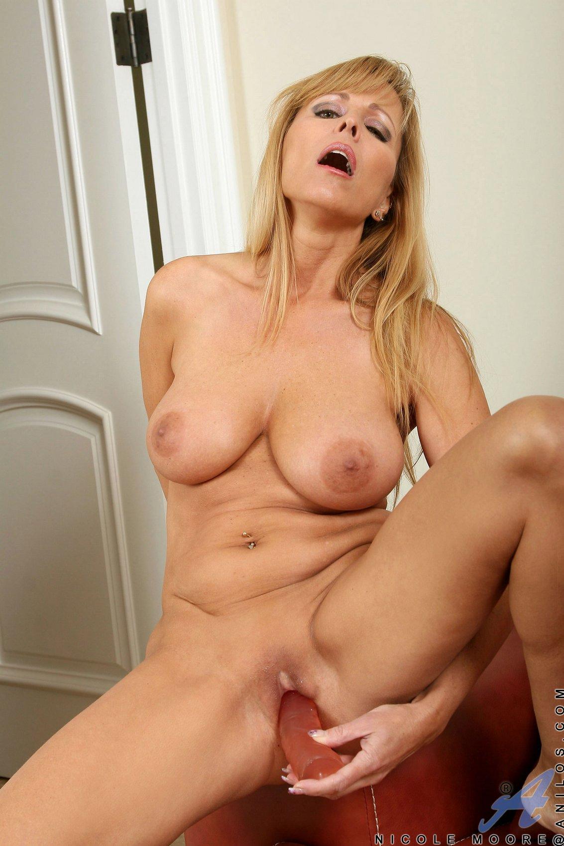 Anilos nicole moore nude lady nude gallery