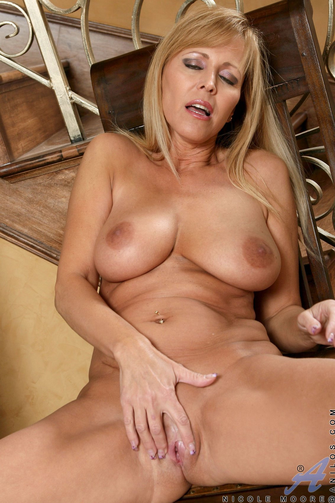 Nicole Moore Free Porn Pics gorgeous milf nicole moore shows off her sexy body and big