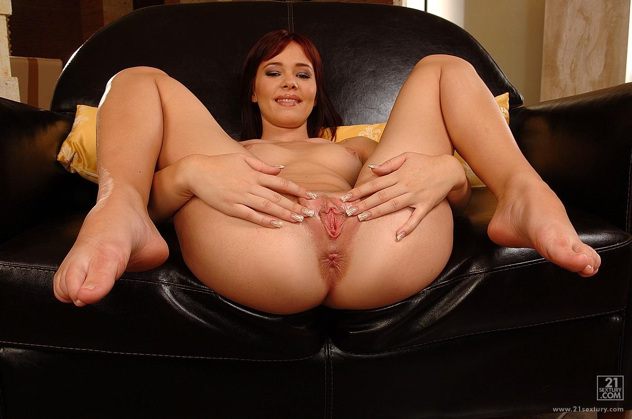 junior nudist pagent girl