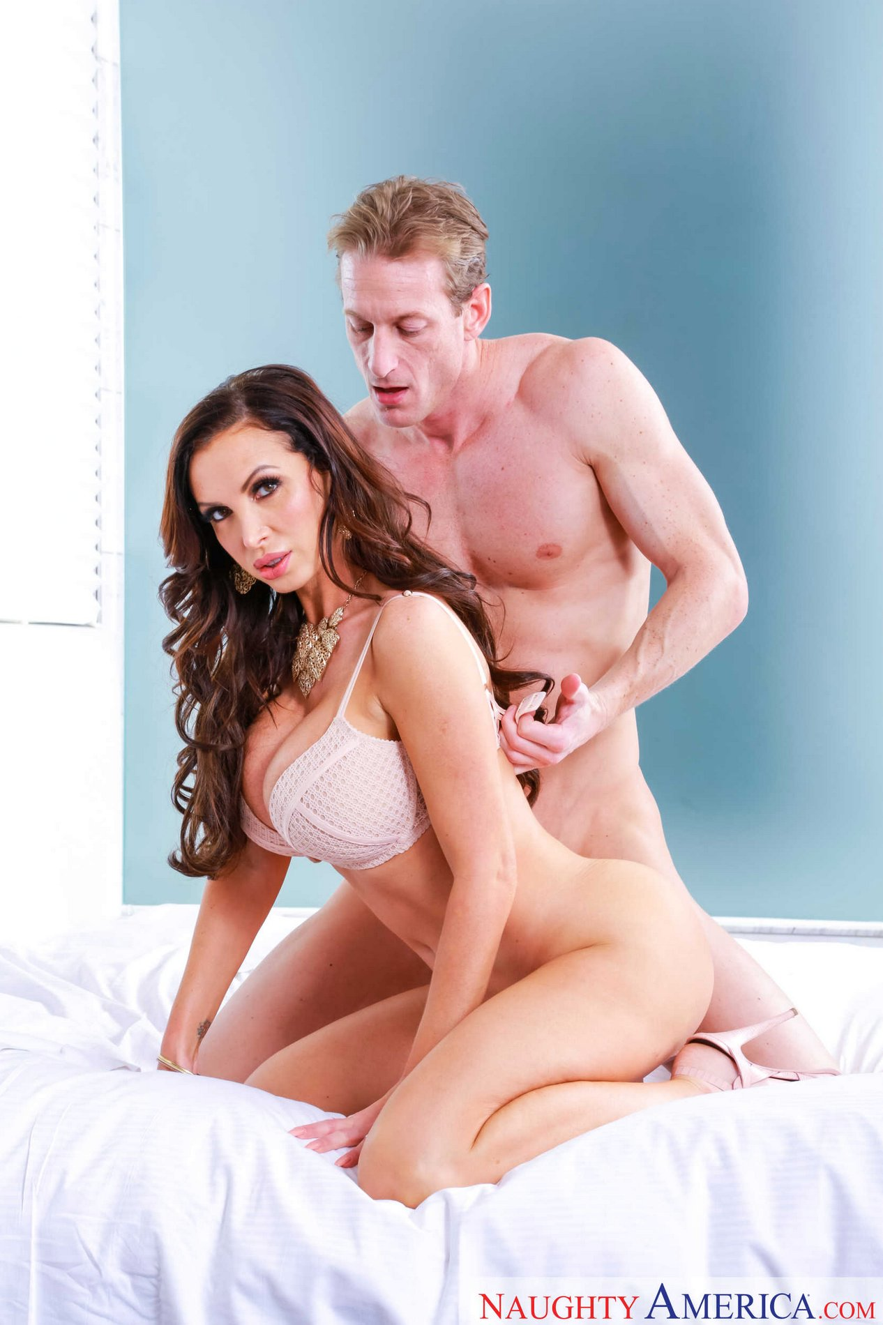 image Busty brunette nikki benz strapon fucks asian london keyes