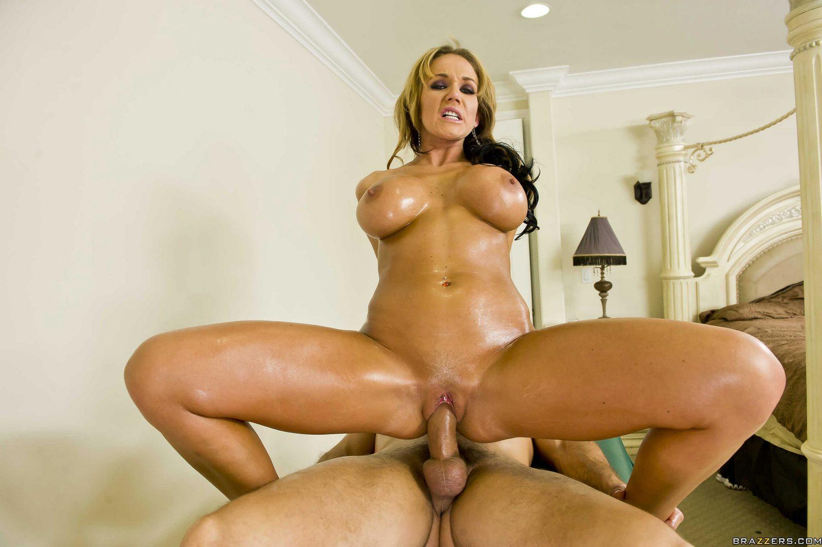 nikki-sexx-at-porn