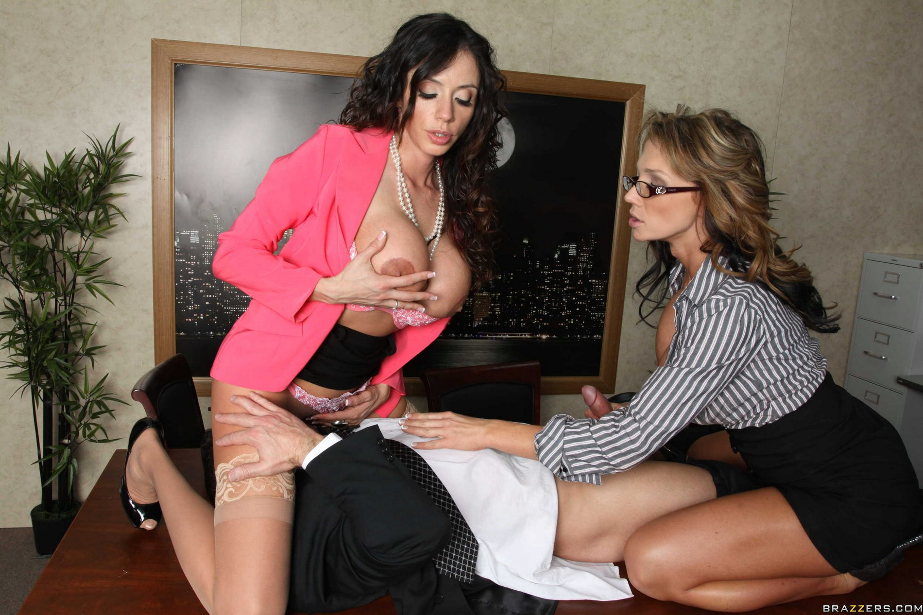 nikki sexx and ariella ferrera sharing a cock in the office - my