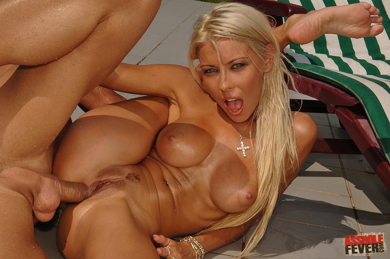 Hot blonde porno