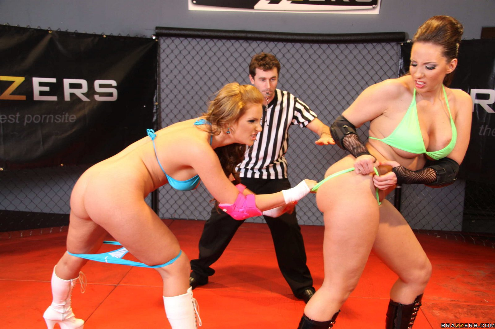 Kelly divine wrestling