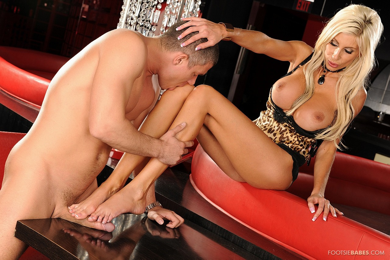 Puma Swede Enjoying Hot Foot Fetish Sex In The Bar - My -1827