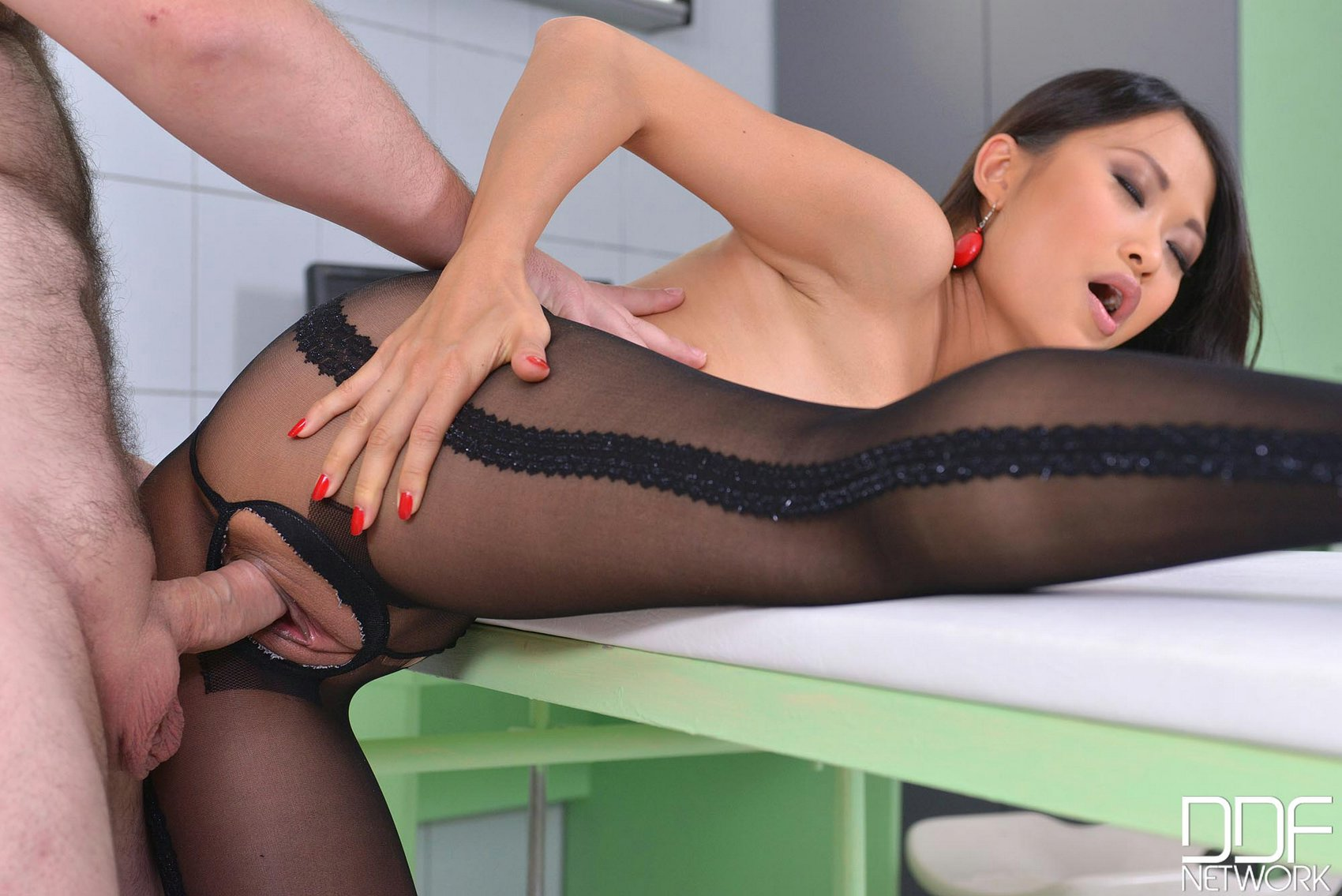Asian pantyhose porn pics