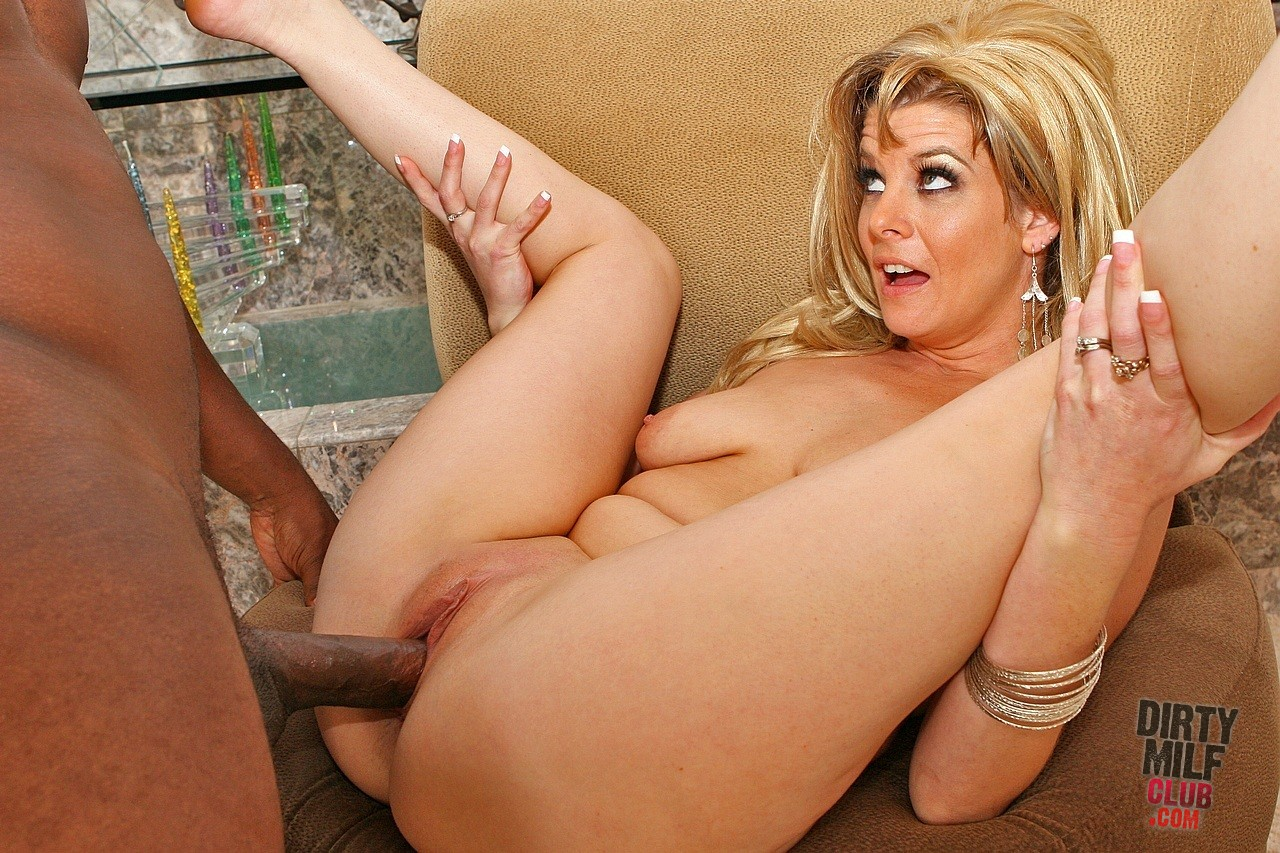 Julia Ann, World Famous Milf, Strokes &amp