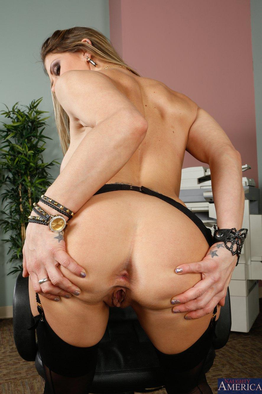 Big jugged goth sex slave 7