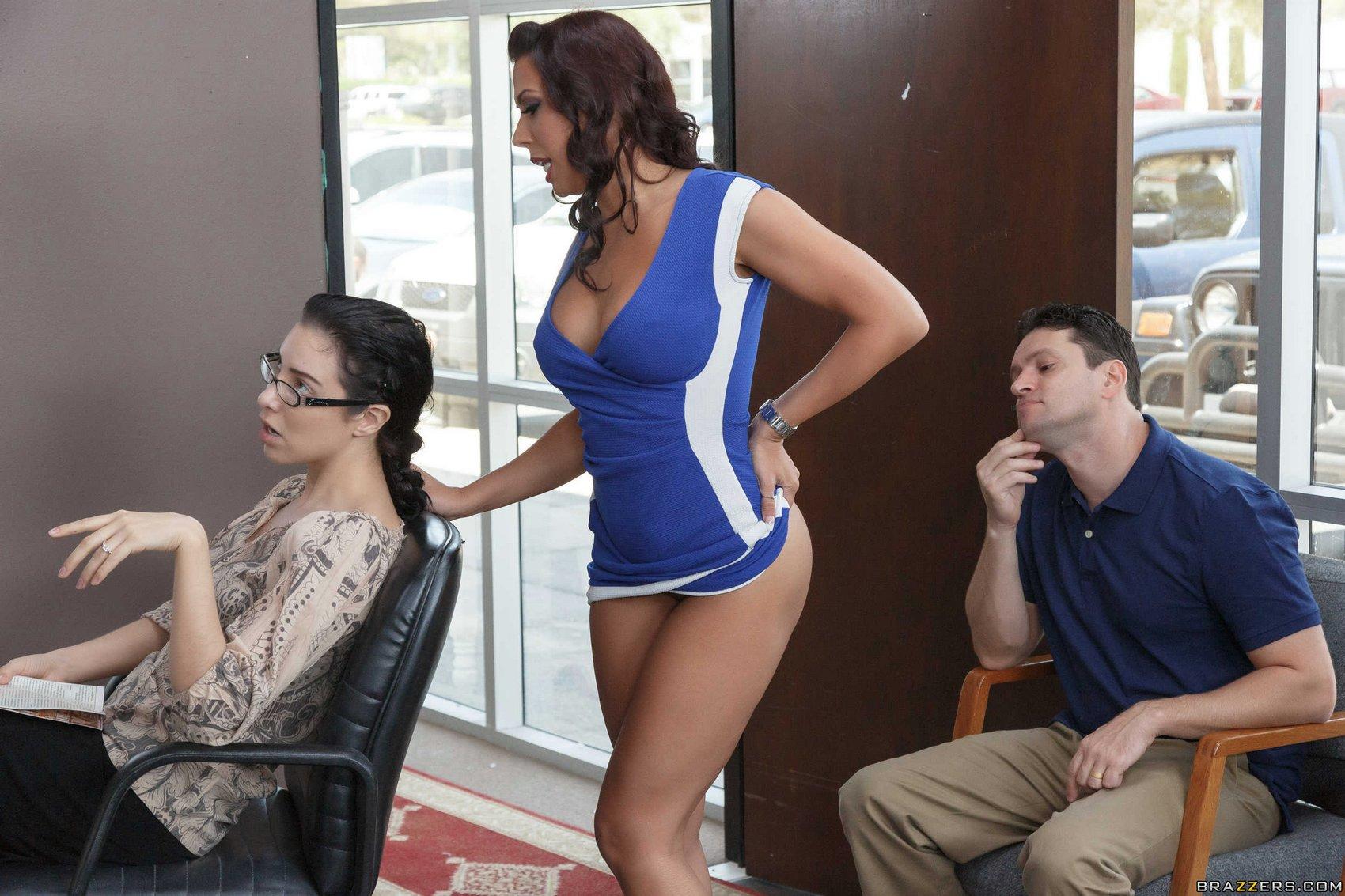 Sexy hairdresser Rachel Starr getting fucked - My Pornstar ...