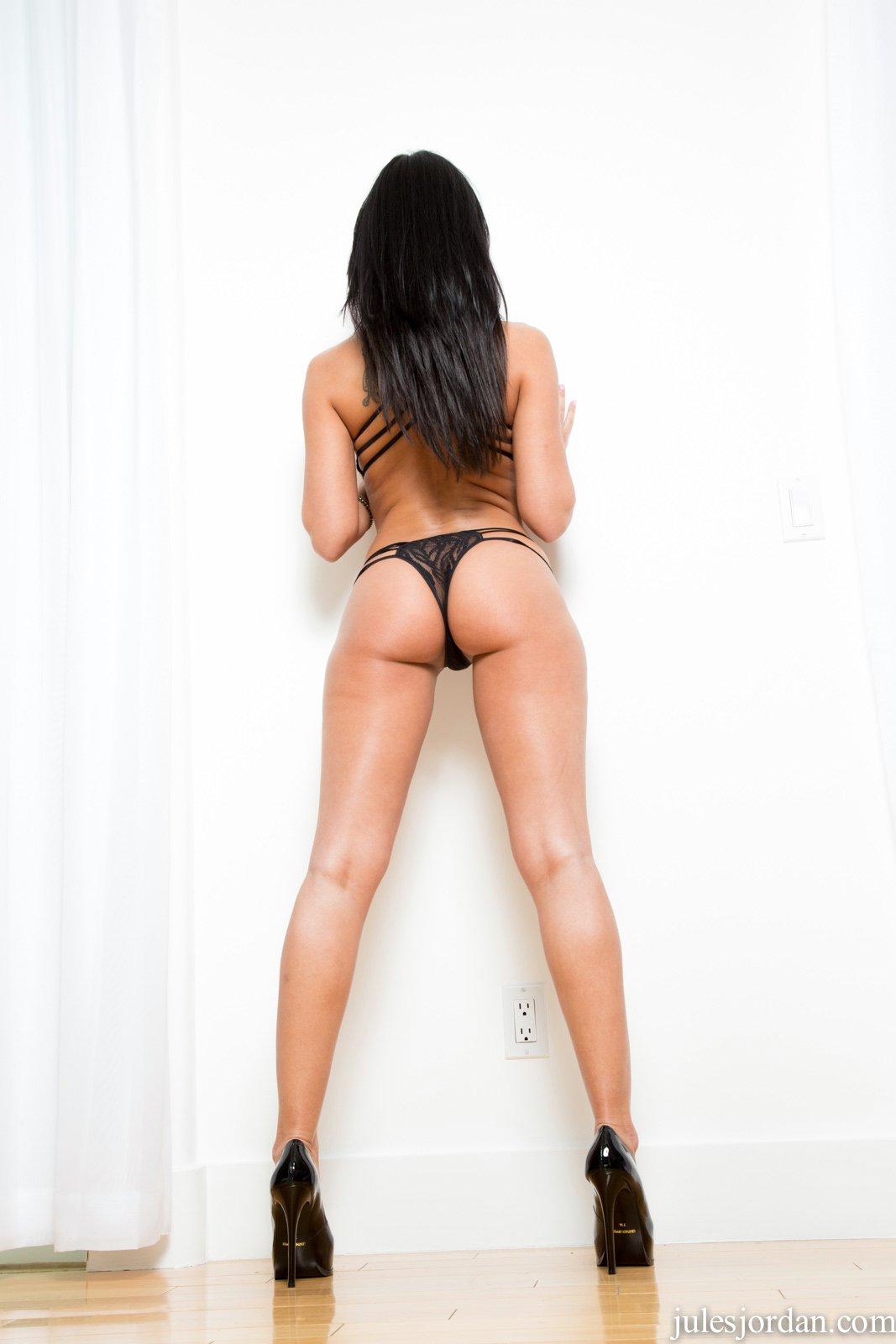 An asian porn actor fucked an asian woman - 2 part 8